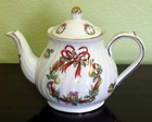 Fielder Keepsakes - Holiday Wreath Teapot - 6 Cup
