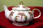"Fielder Keepsakes ""Wreath"" Teapot - 6 Cup"