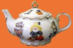 """Halloween Scarecrows "" Teapot"
