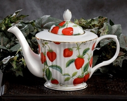 Royal Patrician - Wild Strawberry Tea Pot  -  AND