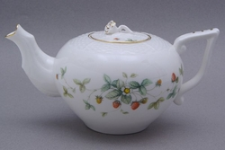 Strawberry Vines Porcelain Teapot