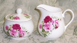 Summertime Pink Creamer and Sugar Set