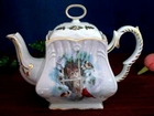 Fielder Keepsakes - The Christmas Kitten Teapot