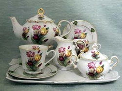 Tulip Porcelain Tea Set For 2