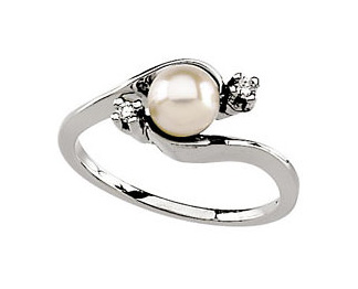 Diamond and Akoya Pearl Ring