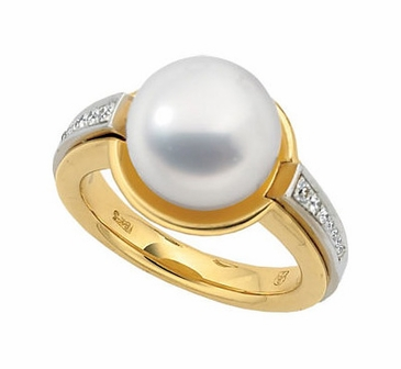 Diamond-Studded Exotic Pearl Ring