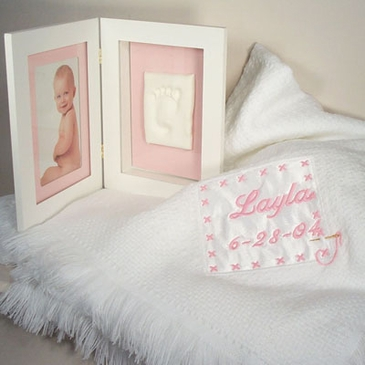 Keepsake Blanket with Picture & Foot Print Frame Girl (Personalized)