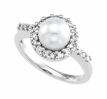 Make A Statement Pearl and Diamond Ring
