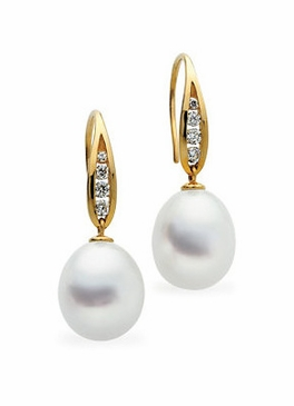Natural Pearl and Diamond Hanging Earrings