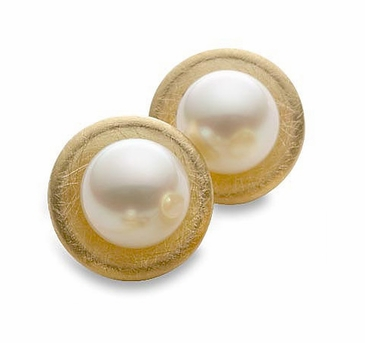 Natural Pearl Ear Studs