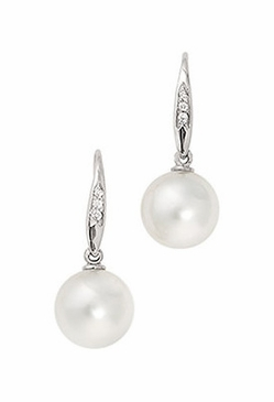 Tear-drop Pearl Earrings