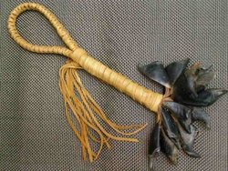"""Mohican Style Deer Toe Rattle 14"""" (153)"""