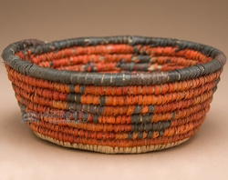 Pueblo Indian Style Basket  (a19)