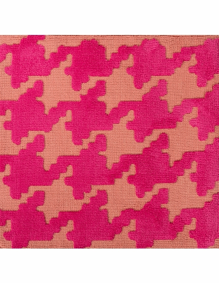 Abigail Houndstooth Rug in Magenta