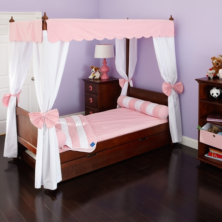 Annabelle Poster Bed with Curtains
