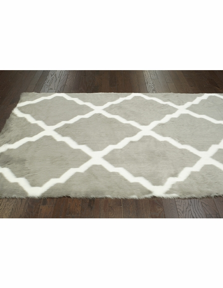 Beatrice Faux Sheepskin Rug in Gray