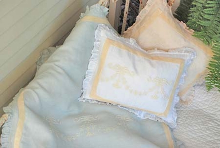 Belle Crib Duvet