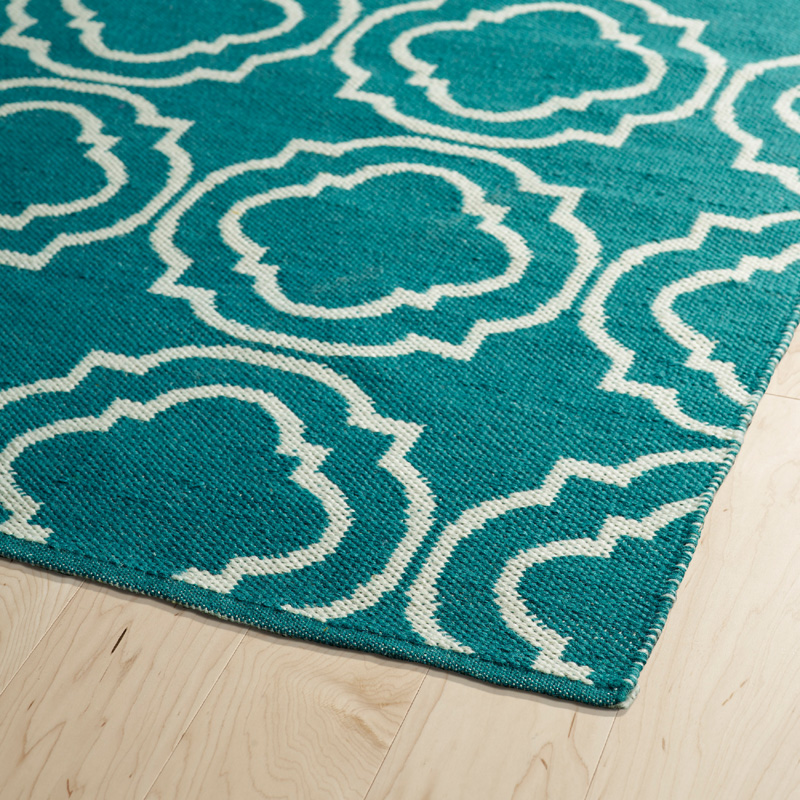 Brisa Double Quatrefoil Rug In Teal And Ivory