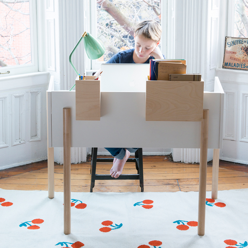 Brooklyn Desk By Oeuf Rosenberryrooms Com