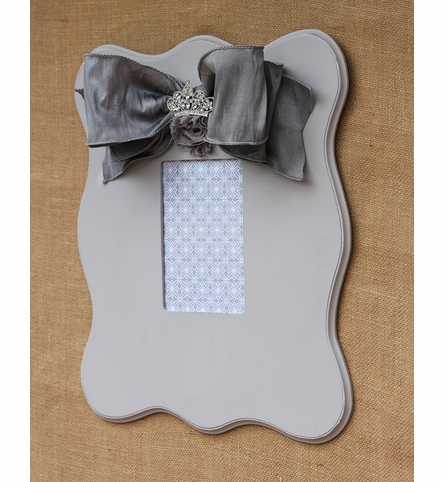 Brooklyn Gray Scalloped Wall Frame