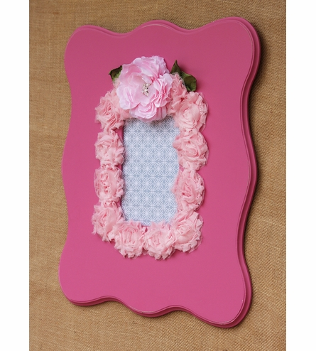 Charlotte Pink Scalloped Wall Frame
