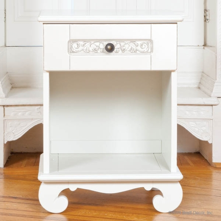 Chelsea Night Stand in White