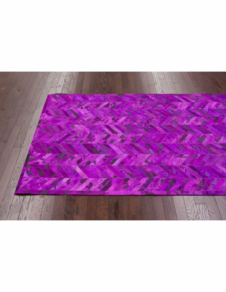 Chevron Cowhide Rug in Fuchsia