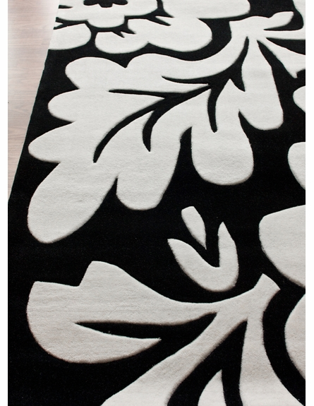 Cine Bold Floral Rug in Cream
