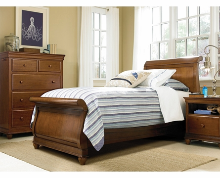 Classic Saddle Brown Sleigh Bed