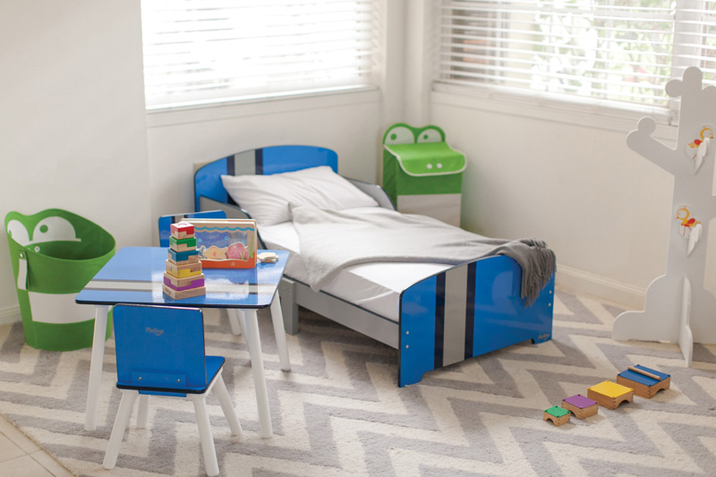Classically Cool Toddler Bed