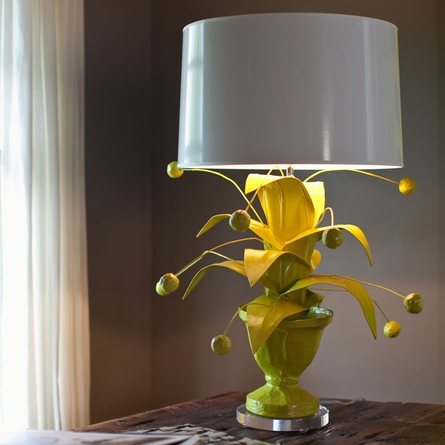 Crunchberry Table Lamp