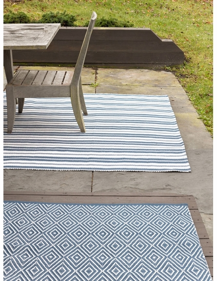 Diamond Indoor/Outdoor Rug in Denim and White