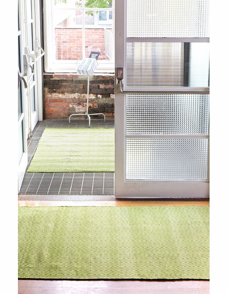 Diamond Indoor/Outdoor Rug in Sprout and White