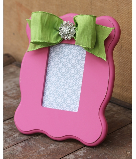 Emily Pink Scalloped Picture Frame