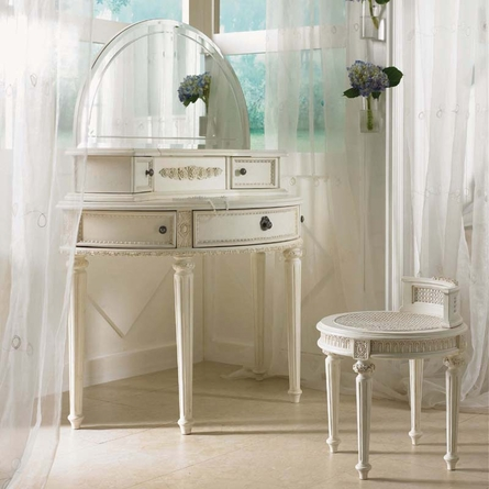 Emmas Treasures Vanity Bench