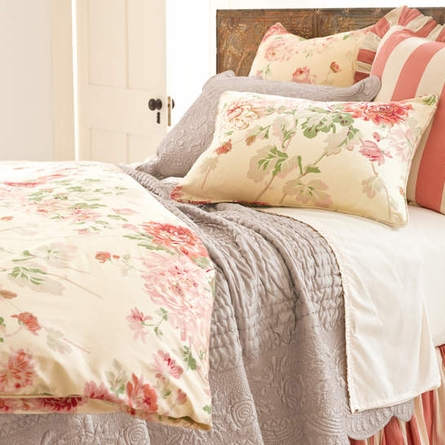 Fanny Platinum Quilt and Sham Set