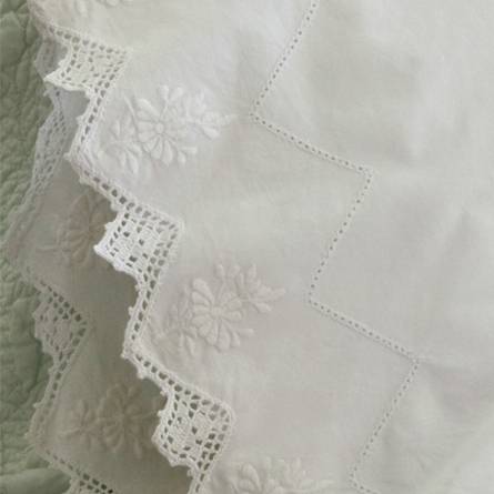 Frances White Sheet Set