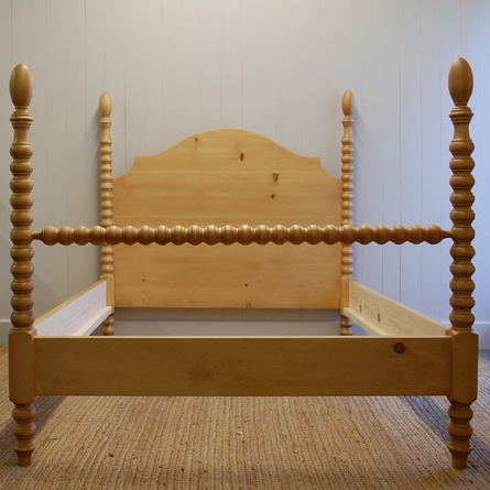 French Farm Spindle Bed By English Farmhouse Furniture