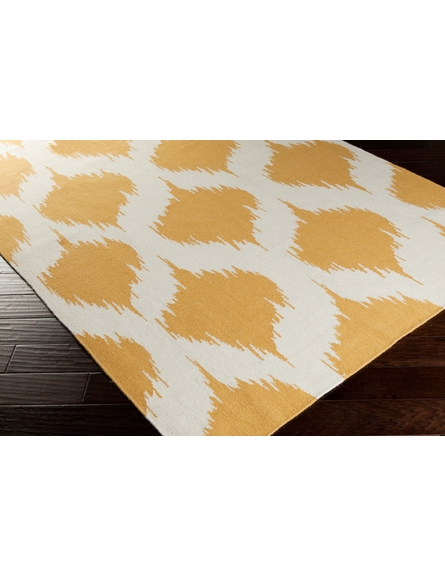 Frontier Lattice Flat Weave Rug in Gold
