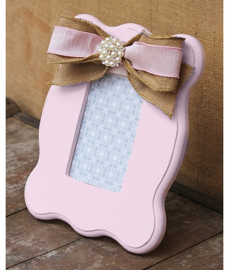 Hannah Pink Scalloped Picture Frame