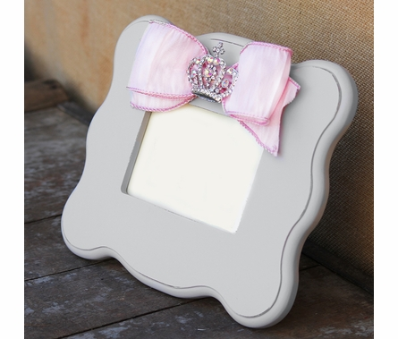 Kate White Scalloped Picture Frame