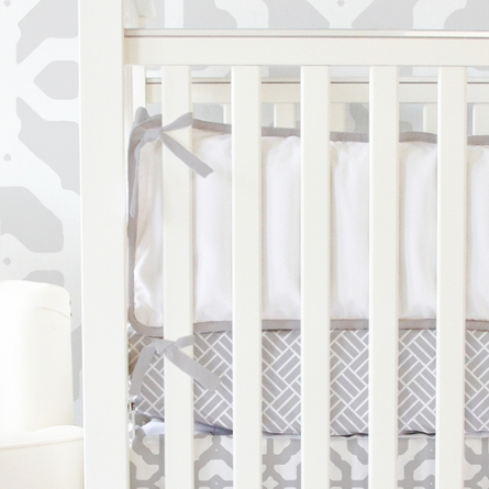 Lattice Crib Bedding Set in Gray and White