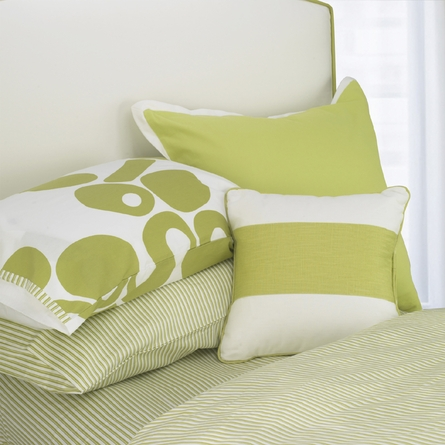 Modern Berries Sheet Set in Spring Green