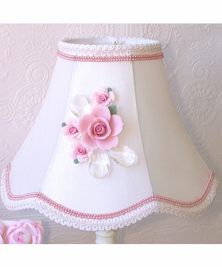 Ornate Rose Bouquet Table Lamp