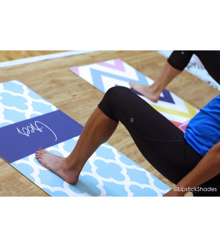 Personalized Diagonal Stripes Yoga Mat