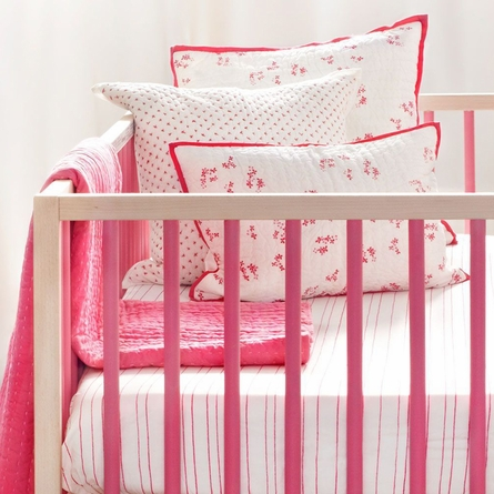 Pretty with Pink Crib Quilt