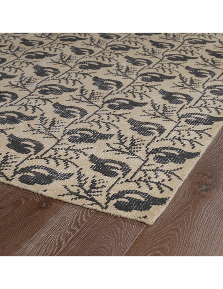 Restoration Vine Flatweave Rug in Gold