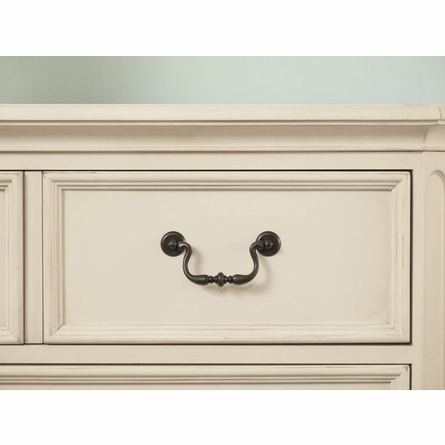 Retreat in Antique White 5-Drawer Chest