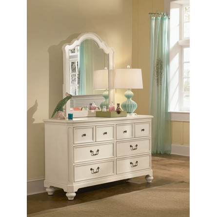 Retreat in Antique White 6-Drawer Dresser