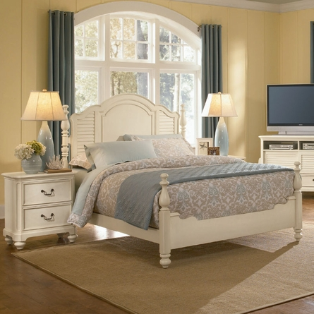 Retreat in Antique White Panel Bed